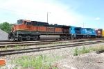 BNSF 1068 & NS 8336