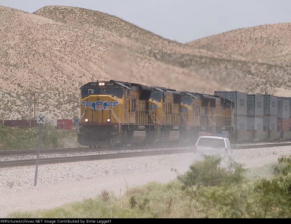 UP 4945 leads a WB doublestack at 1:18pm