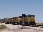 UP 3873 leads an EB intermodal at 12:26pm (waiting for signal)