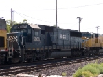 HLCX 5986 #4 power in a WB doublestack at 10:52am