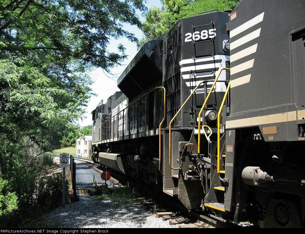 NS 2685 resting on a short trestle over Black's Run