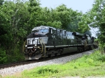 NS 7631 is picking up speed as it heads north towards Hagerstown, MD.