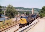 CSX 722 eastbound at Lock 4 Charleroi, Pa on Mon Subdivision