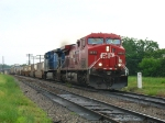CP 8655 & CEFX 1039 leading X500-02 towards Wyoming Yard