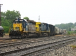 CSX 8050 & 9000 bringing Q335-03 into its destination terminal