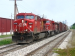 CP 8521 leading X500 eastward