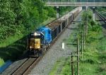 CSX 8587 Hauls Refuse Train Westbound