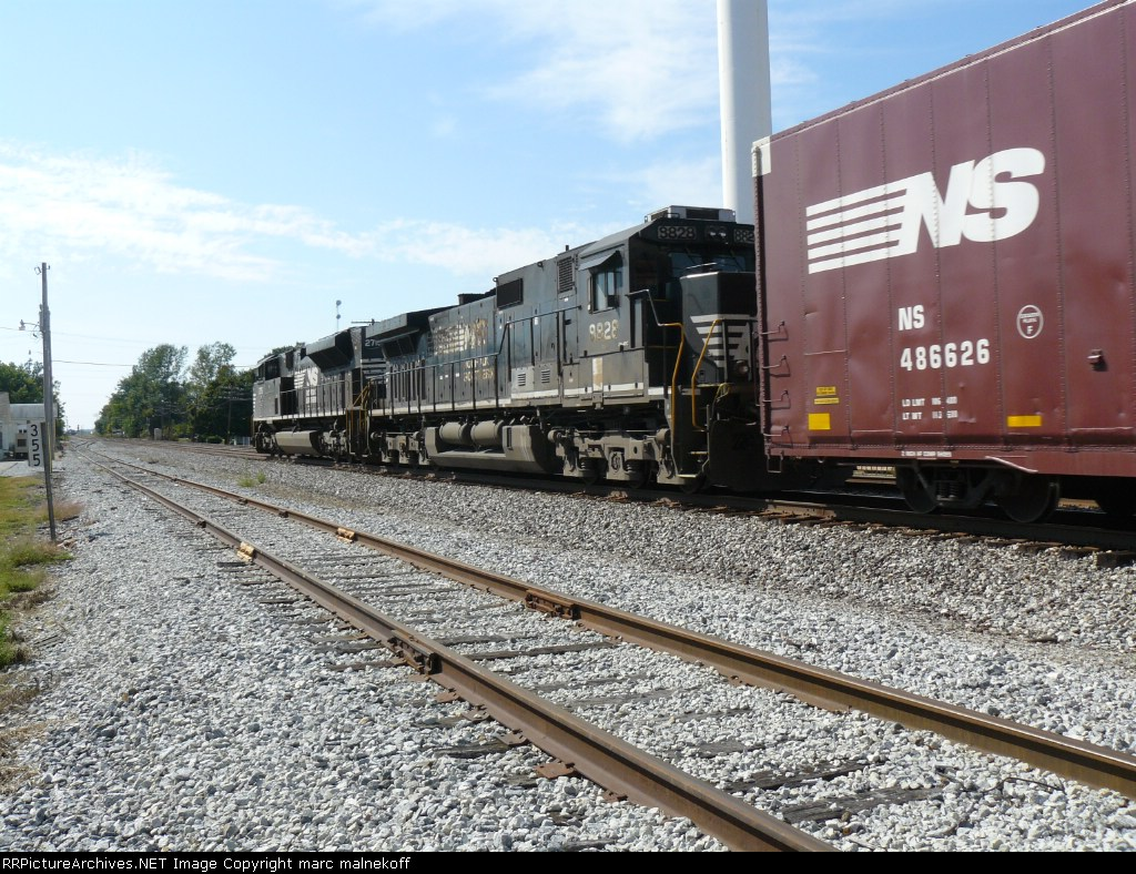NS 8828