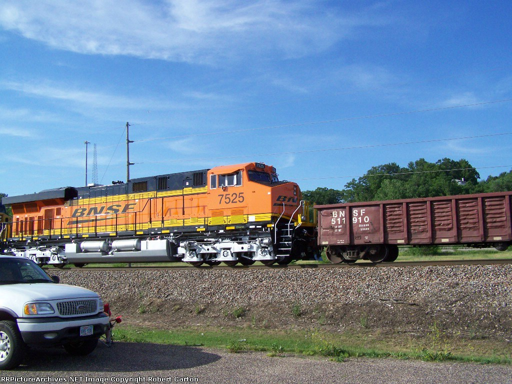 Brand New BNSF 7525 (ES44DC) Lines up for a Shot Above the Nose of our Expedition