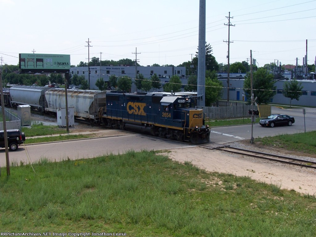 Y106 About To Pass Under I-196