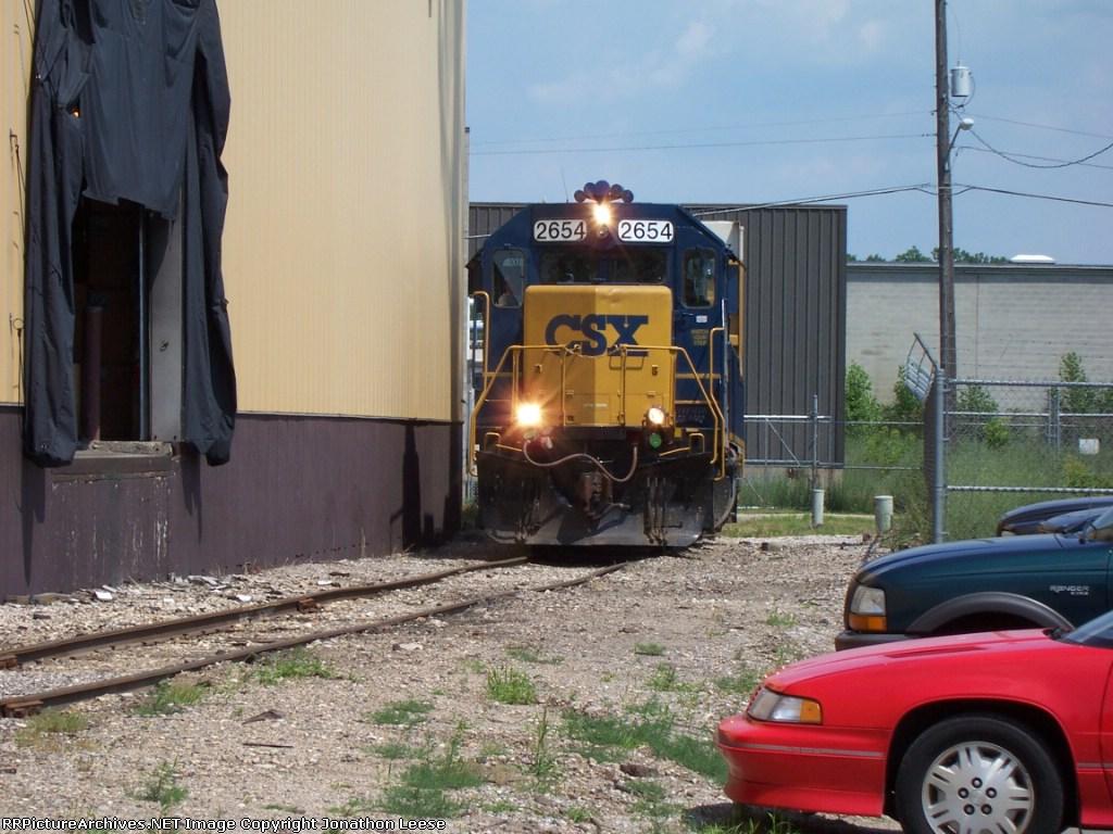 CSX 2654 Shoving Back
