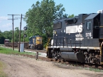 NS & CSX Meet In Grand Rapids Yard