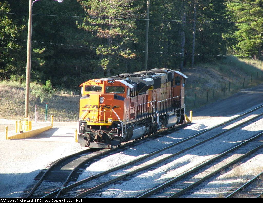 BNSF 9347 waiting with a 70MAC on the West Olive service track