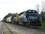 HLCX 8164 & CSX 8084 sitting dead on the main with Q335-04