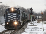 Only a few hundred feet from home rails, Z127 heads for Saginaw