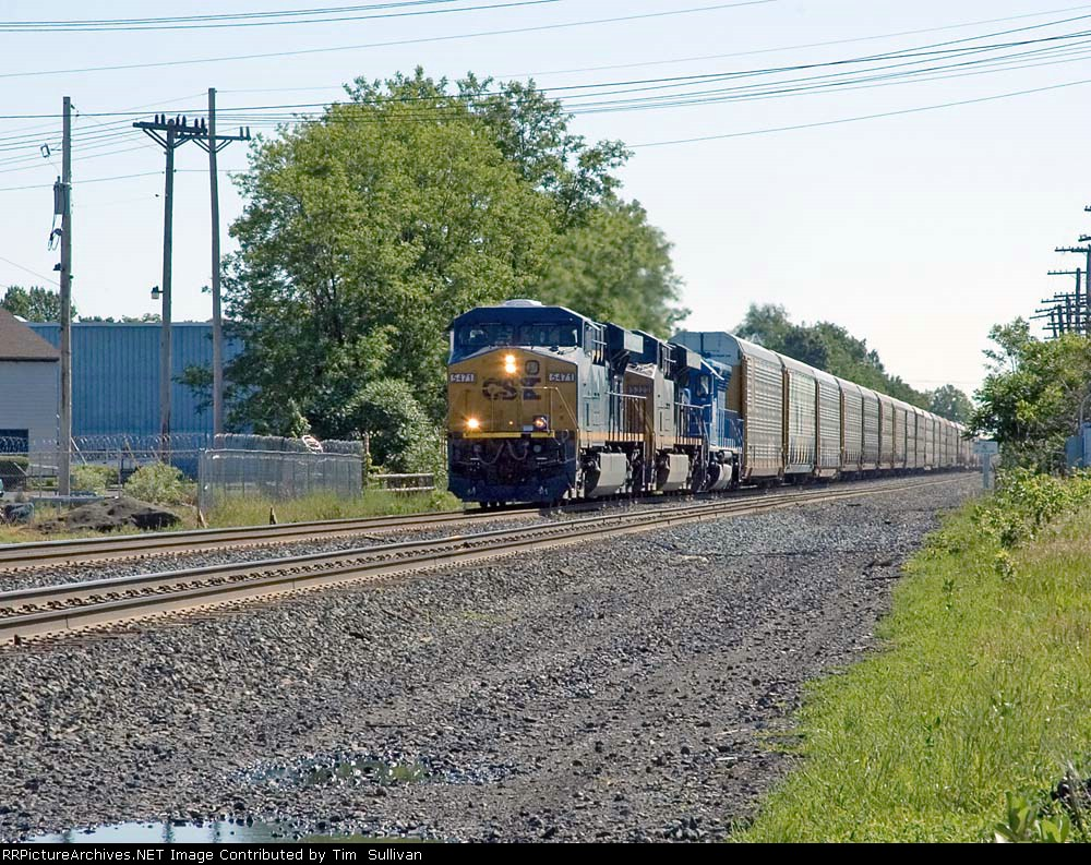 CSX 5471 approaches Cemetary Road