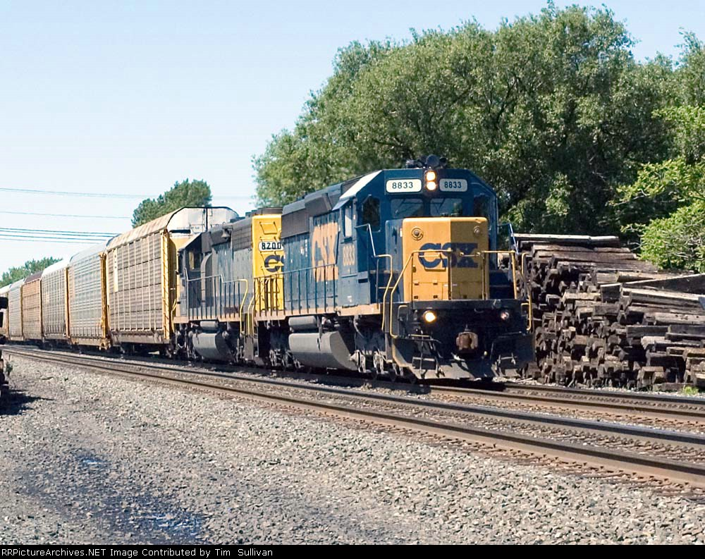 CSX 8833 and 8200
