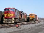 BNSF 8260 & BNSF 2733