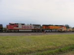 BNSF 627 and BNSF 4772