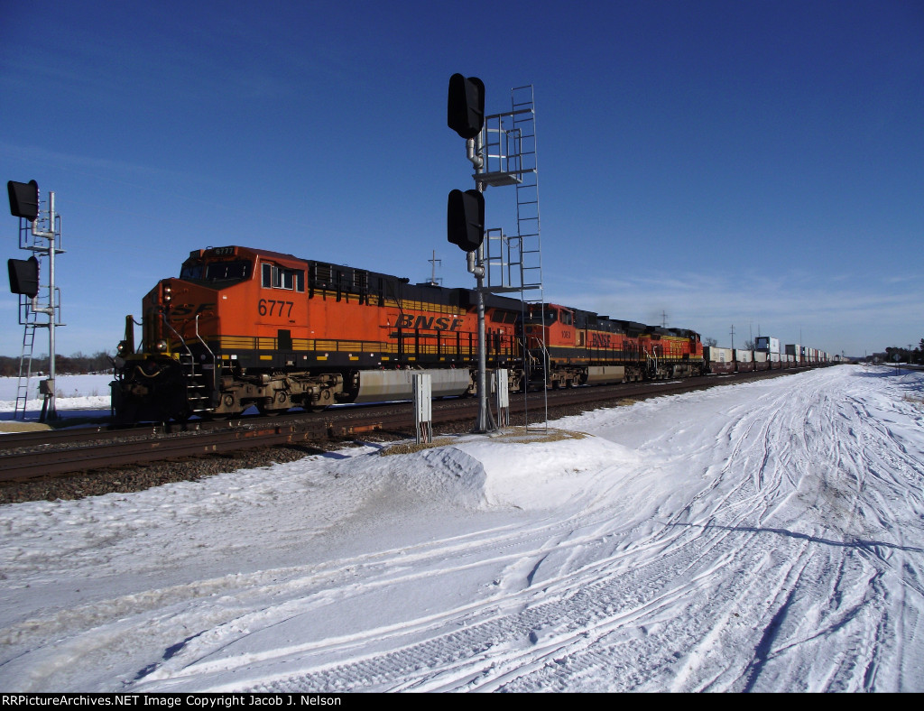 BNSF 6777
