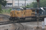 UP 9535 (Dash8-40CW) Leads off northbound on the CSX mainline at the diamond which crosses over a NS line