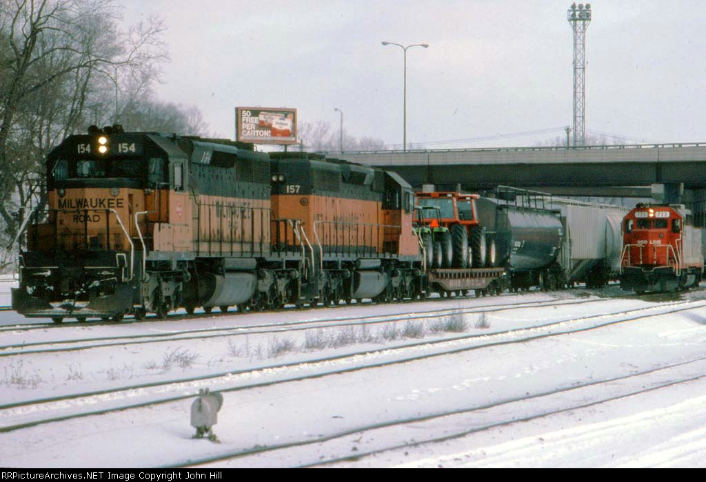 1390-10 Westbound SOO/MILW freight stops at Hoffman Ave To Add Loco