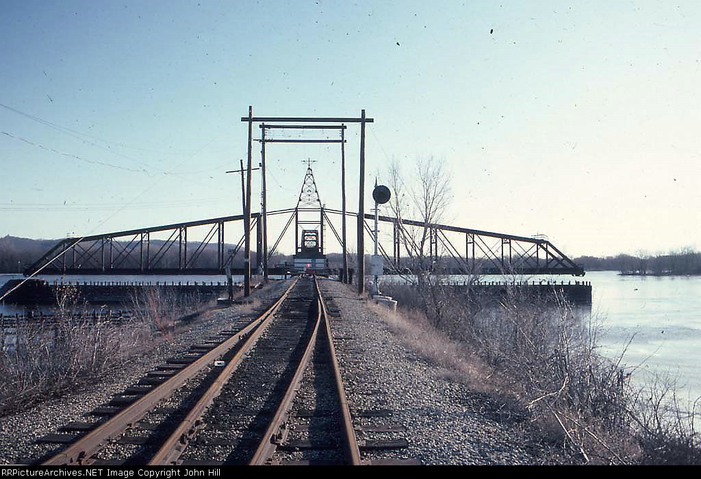"1404-01 ""Winona Bridge Railway"" swing bridge used by GBW and CBQ/BN trains"