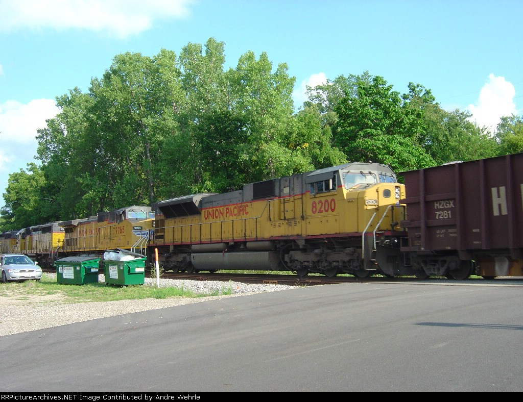 UP 8200 and the rock train crossing Vine Street