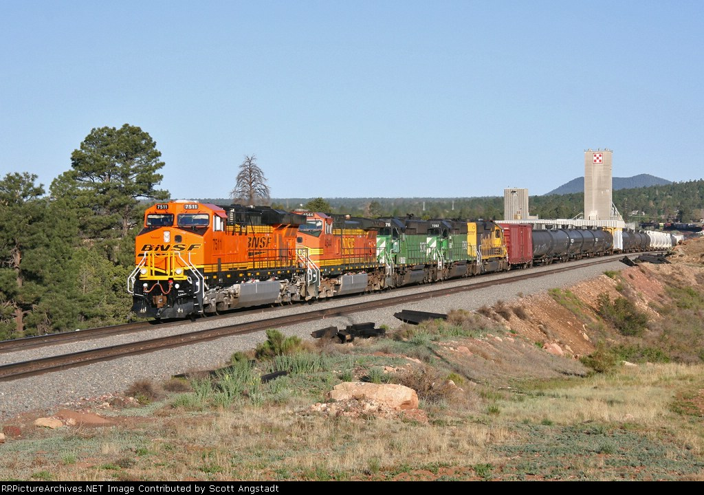 BNSF 7511 leads a general freight