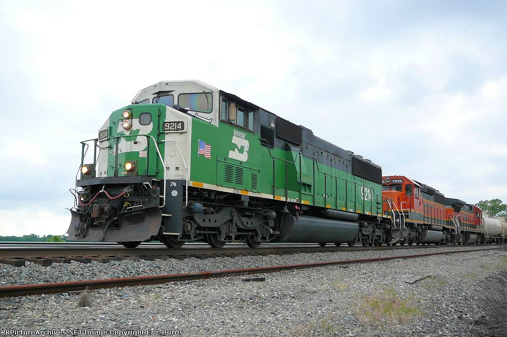 BNSF 9214 east