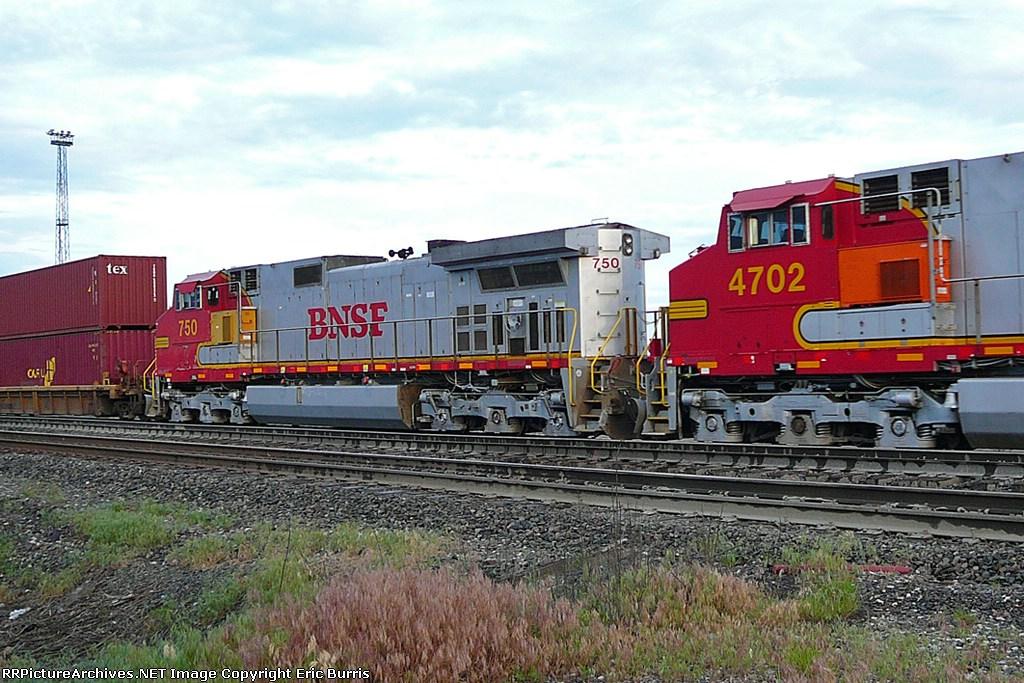 BNSF 750 DPU's