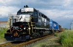 Conrail SA22 with a repainted 3434