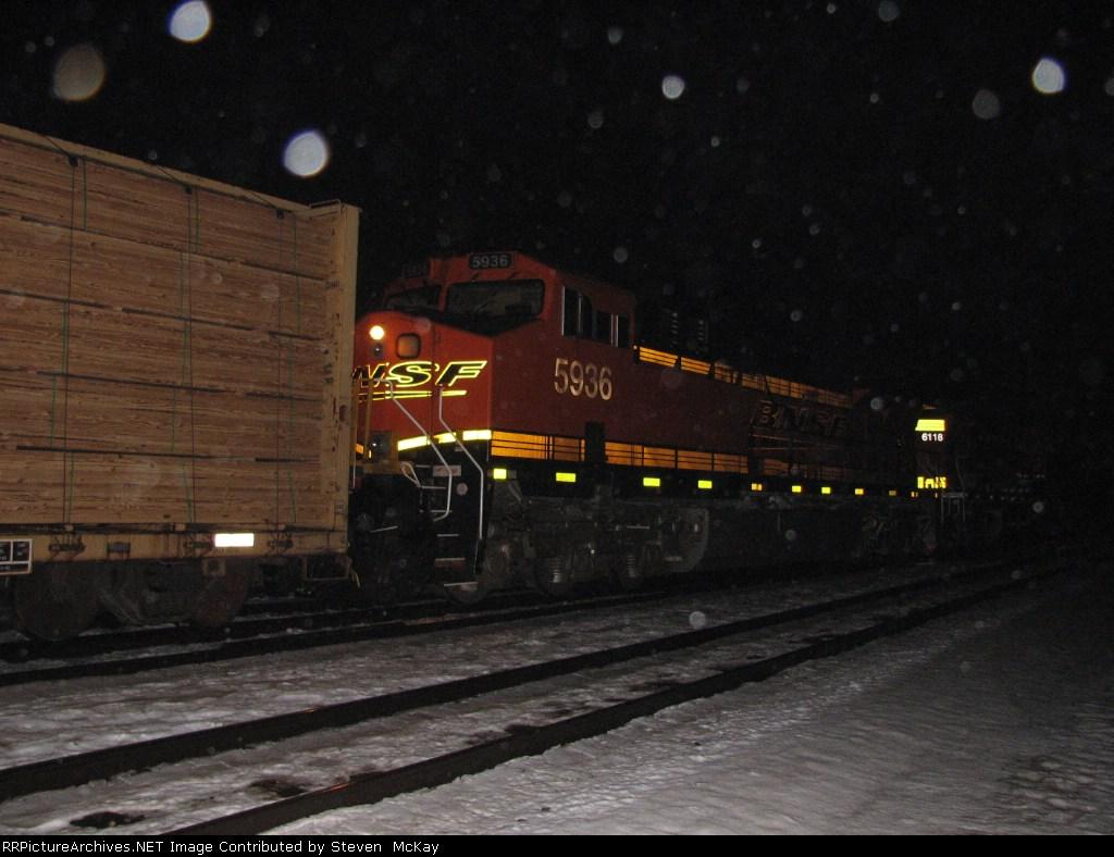BNSF 5936