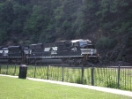 NS 2633 leads an eastbound freight through Horseshoe Curve