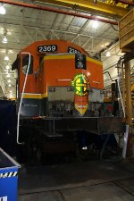 BNSF 2369  Better get Macco!