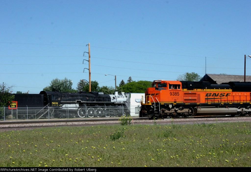 BNSF 9385 CB&Q 5631