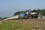 NS 6721 train 536 eases in CP-MO to store on the &quot;O&quot; track