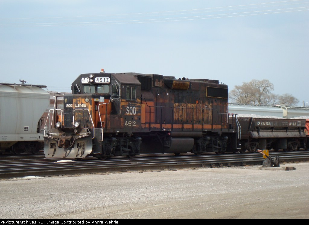 SOO 4512 about to leave with a Madison branch ballast train