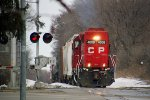 CP 4008 solo LHF powers the G64 across Packers Avenue and into town