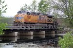 UP 5647 rumbles across Duck Creek with coal train 813, loads for the Columbia Power Plant
