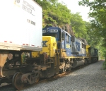 CSX 8606 is the trailing power for Q-169