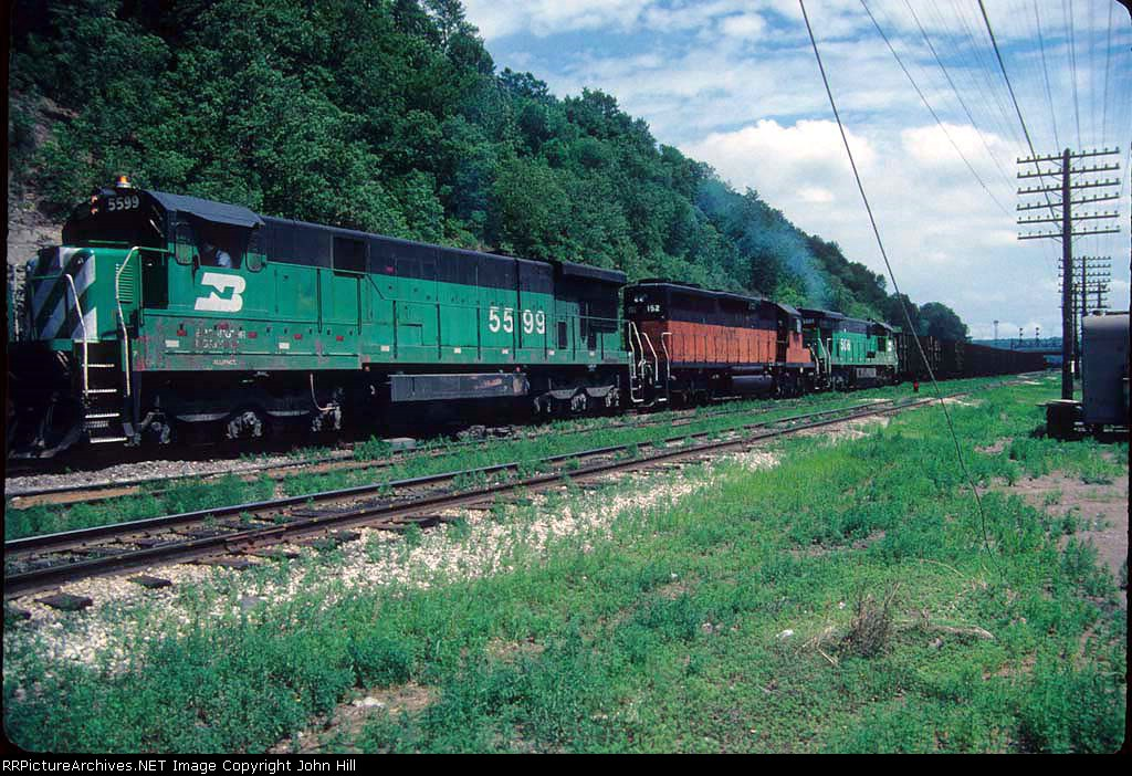 Westbound BN/MILW coal train at Hoffman Ave