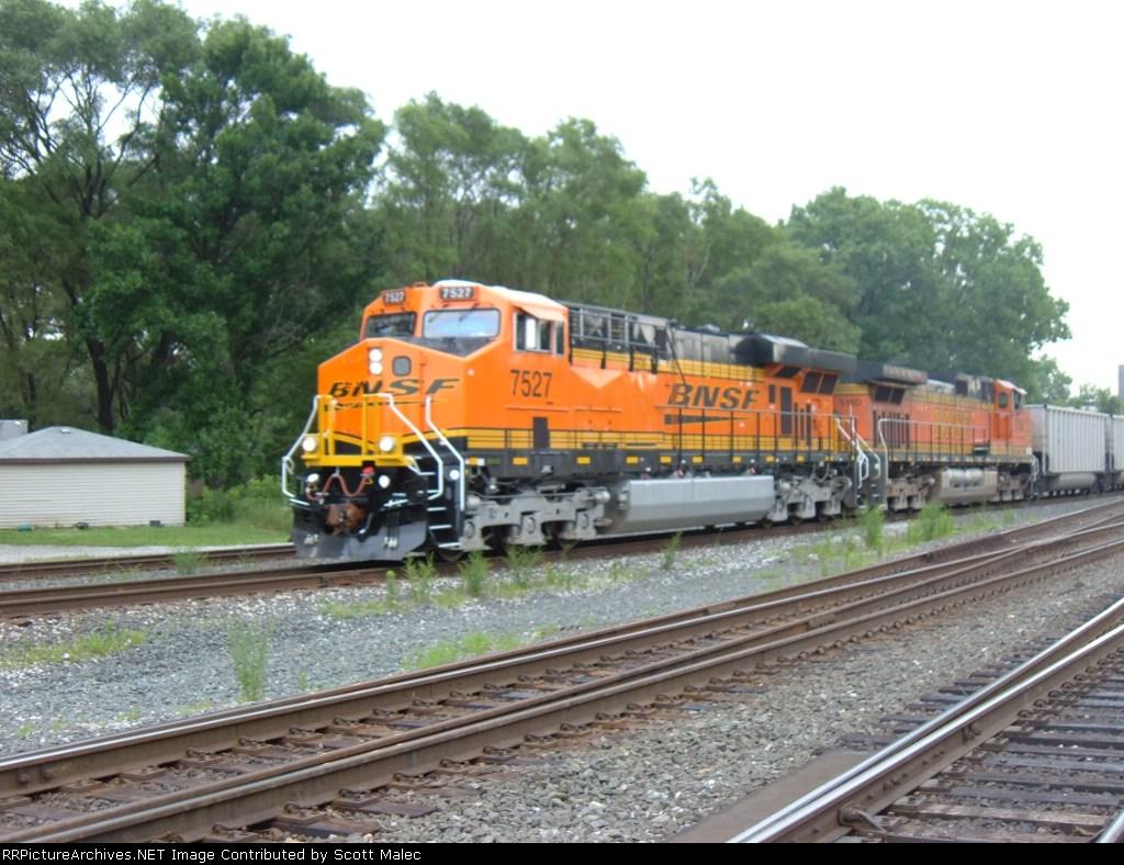 BNSF 7527 & 5180