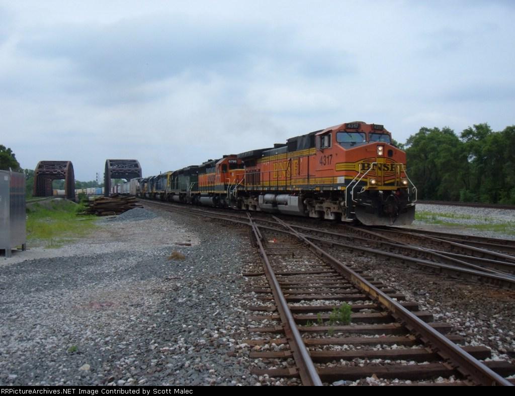 BNSF 4317, 6798 & 7028 & CSX 8873, 8027 & 8116