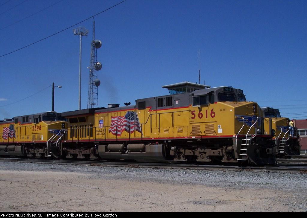 UP 5616