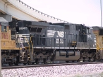 NS 9945 #4 power in a WB manifest at 1:07pm