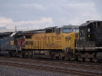 UP 9506 #3 power in a switching group in MTUFW Tucson - Fort Worth, TX at 4:47pm