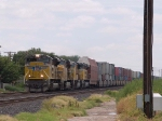 UP 8520 leads a WB doublestack (IMLBB) at 11:57am