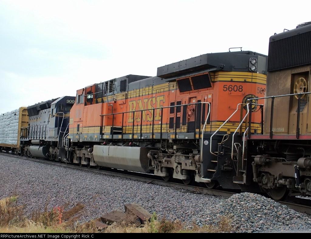 BNSF 5608 Rear View