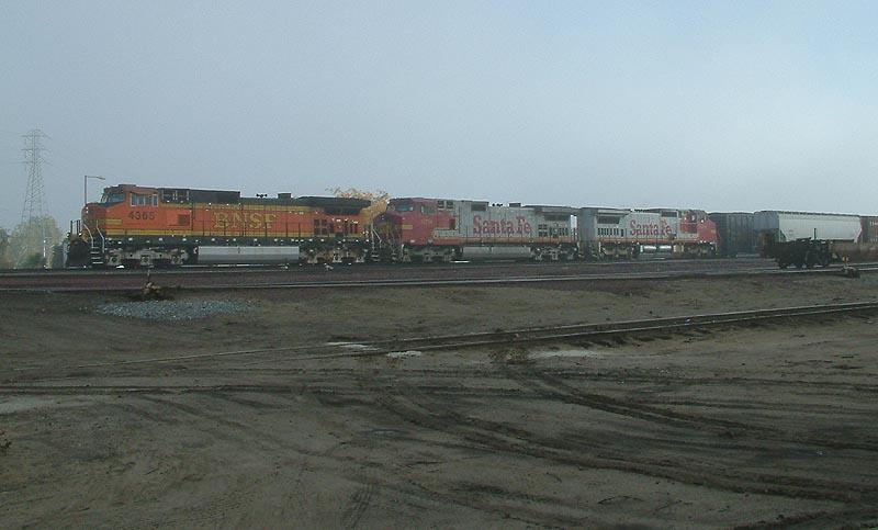Foggy BNSF Westbound